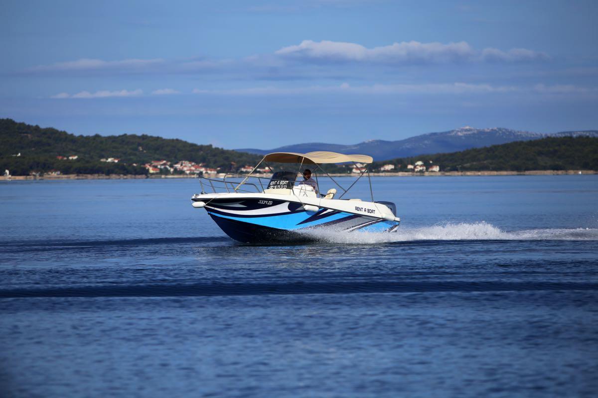 rent-a-boat-sukosan